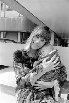 King's College Hospital on 18 August 1969 Anita Pallenberg holds rolling Stone Keith Richard's baby son Marlon who was born on Sunday, 10 August, weighing Get premium, high resolution news photos at Getty Images Rolling Stones Keith Richards, London Live, Anita Pallenberg, Mothers Day Weekend, Swinging London, She Walks In Beauty, King's College, Italian Actress, Rockn Roll