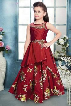 Dress Up Your Little Diva In A Plush Taffeta Silk Dress .The Maroon Colour Of The Gown Looks Charming And Pretty. This Gown Will Make Your Dear Little Angel Look Adorable For Any Special Occasion. Kids Party Wear Dresses, Kids Dress Wear, Baby Girl Party Dresses, Kids Gown, Dresses Kids Girl, Dress Up, Silk Dress, Party Gowns, Frock Patterns