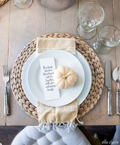 Free Fall Printables to Decorate and Entertain - Ella Claire Free Printable Fall Place Cards Fall Table Settings, Thanksgiving Table Settings, Thanksgiving Tablescapes, Thanksgiving Decorations, Thanksgiving Place Cards, Place Settings, Fall Place Cards, Do It Yourself Food, Thanksgiving 2020