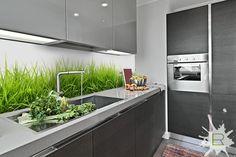 Odrobina zieleni w kuchni czyli fototapeta kuchenna Trawa. Do zamówienia na http://bit.ly/fototapeta-kuchenna-trawa