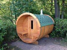 Gartensauna, Sauna, Saunafass, Fasssauna, Saunakota, Aussensauna, Gartensauna, Saunahäuser, Sauna Outdoor Gardens, Green, Garden Ideas, Ads, Landscaping Ideas, Backyard Ideas