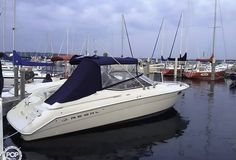 2000 Regal 2850 LSC Express Cruisers (28ft  / 8.53 m) for sale by POP Yachts in Traverse City, Michigan, US