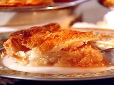 Apple and Quince Pie recipe from Sweet Dreams via Food Network Winter Desserts, Quince Pie, Quince Cakes, Pie Recipes, Quince Recipes, Recipies, Quince Ideas, Dessert Recipes, Pie Pan
