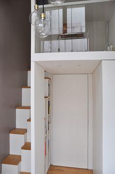 mezzanine : Couloir, entrée, escaliers minimalistes par LLARCHITECTES