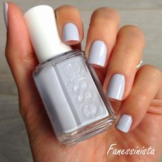 Fanessinista: (Blue Friday) Essie - Find me an oasis