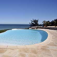 On se fait parfois des idées fausses sur le coût d'entretien d'une piscine. Voici un rappel pour avoir les idées plus claires à ce sujet. Les chiffres sont approximatifs et donnés pour une piscine de 4×8mètres et d'une profondeur de 1,50m