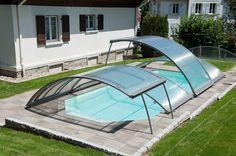 Cubierta de piscina baja amovible. Sencilla y funcional. La solución económica para proteger y dar seguridad a su piscina.