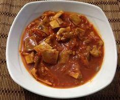 Aprende a preparar oreja de cerdo en salsa con esta rica y fácil receta. Alistar todos los ingredientes En la olla pitadora colocamos la oreja de cerdo, la mitad de...