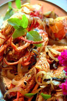 Lagosta servida em restaurante de Japaratinga, na Costa dos Corais, norte de Alagoas, Brasil.    Fotografia: Eduardo Vessoni / UOL.