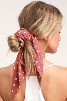 Add a little something sweet to your park day look with the Lulus Soleil Rusty Rose Polka Dot Scarf Ponytail Holder! A cute little polka dot print scarf is tied to an elastic scrunchie hair tie, for an up-do that's extra special! Bandana Hairstyles, Short Bob Hairstyles, Summer Hairstyles, Cute Hairstyles, Layered Haircuts, Ponytail Hairstyles, Charcoal Hair, Magic Hair, Polka Dot Scarf