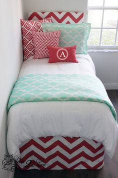 Coral and mint dorm room bedding and décor. Chevron and quatrefoil modern dorm room. Designer headboard, custom pillows, exclusive bed scarf, window panels, wall art, bed skirts, twin XL duvet and custom monogramming!! Turn your dorm from drab to fab!! http://www.decor-2-ur-door.com/designer-dorm-bed-in-a-bag-sets/blue-custom-bedding-sets-teen-girl-dorm-room-apartment-home-bed-in-a-bag/coral-mint-quatrefoil-teen-girl-dorm-room-bedding-set?utm_content=bufferfbcdf&utm_medium=social&utm_source=pin…