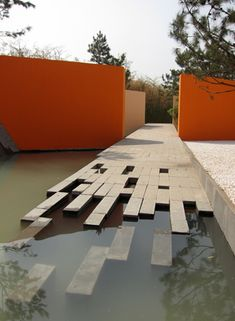 is it a path a deck or a water feature? Great design :-)