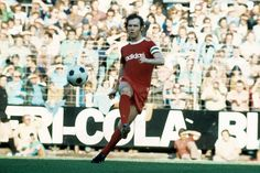 Franz Beckenbauer The Kaiser. He won everything, Ballon d'Or included. Born in Munich, Franz Anton Beckenbauer played almost all his career with Bayern Munich. Arrived in Bayern in he played with the Bavarian. Munich, History, 1970s, Football, Bavaria, Soccer, Historia, Futbol, American Football