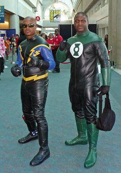 Black Lighning and Jon Stewart Green Lantern Top Cosplay, Epic Cosplay, Awesome Cosplay, Cosplay Ideas, John Stewart, Movie Costumes, Couple Halloween Costumes, Black Cosplayers, Super Hero Life
