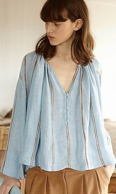 46 Blue Outfit Trends For You This Winter - Luxe Fashion New Trends - Fashion Ideas Fashion Details, Love Fashion, Womens Fashion, Street Style Looks, Style Inspiration, Clothes For Women, Trending Outfits, Tops, Dobby