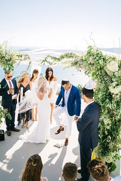 Katie and Aaron's breathtaking destination Jewish wedding embraced the beauty of Santorini. Santorini Wedding Venue, Hotel Wedding Venues, Greece Wedding, Barn Wedding Venue, Tent Wedding, Destination Wedding, Wedding Wows, Wedding Trends, Dream Wedding