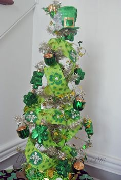 St. Patricks Day tree thepaintedapron.com