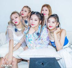 Itzy x Osen Kpop Girl Groups, Korean Girl Groups, Kpop Girls, Fandom, K Pop, S Star, New Girl, Goth Girls, South Korean Girls