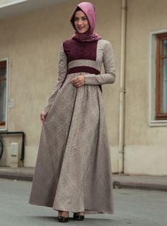 Brokar Desenli Yarım Düğmeli Elbise - Vizon Mürdüm - Ârâ Zeynep Bilyay