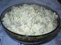 Przepis na sałatka jajeczna z kalafiorem. Kalafior ugotować w osolonej wodzie, ostudzić i pokroić w kostkę. Jajka ugotować na twardo, ostudzić, obrać i pokroić w kostkę. Grilling, Grains, Salads, Rice, Cooking Recipes, Vegetables, Foods, Food Food, Food Items