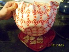 peppermint candy dish - instructions at this website: http://tuttobellablog.com/2011/12/19/diy-serving-tray-2/