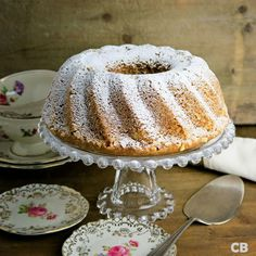 Moist and tender walnut bundt cake: everyone's favorite! Beignets, Baking Bad, Cupcake Images, Pie Cake, Piece Of Cakes, High Tea, Cake Cookies, Cupcakes, Baking Recipes
