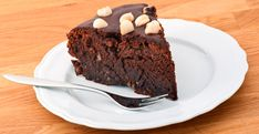 Chocolate, coconut and your choice of nut make for a deliciously decadent dessert! Nutella Bar, Easy Nutella Brownies, Nutella Cookies, Nut Recipes, Candy Recipes, Pie Dessert, Melting Chocolate, Chocolate Cake, Cheesecake Recipes