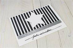 Wunderschöne, liebevoll gestaltete, individuelle  Weihnachtskarte im aktuellen Black&White-Stile.   Zur Karte gehört ein weißer Briefumschlag.