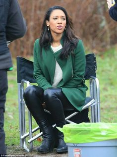 Iris West outfit