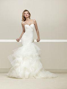 Drema: Brautkleid im Meerjungfrau-Stil mit asymmetrischen Volants und herzförmigem Dekolleté - Pronovias