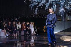 @Lightaholic #pfw2016 #fashionweeks #baneasashoppingtrends #baneasashoppingcity
