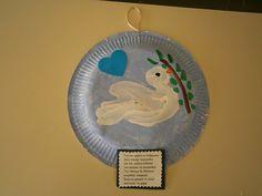 5ο Νηπιαγωγείο Τρίπολης: 28η Οκτωβρίου 1940 School Projects, Projects To Try, Dream Catcher, Kindergarten, Crafts For Kids, Decorative Plates, Education, Art Kids, Initials