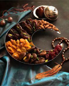 Ramadan and Eid - Eid Crafts, Ramadan Crafts, Ramadan Decorations, Ramadan Sweets, Ramadan Recipes, Datte Fruit, Decoraciones Ramadan, Ramadan Lantern, Eid Food