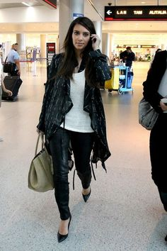 Kim Kardashian Photo - Kim Kardashian at Miami International Airport