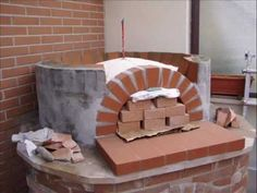 Wood Fired Pizza. Forno a legna, my wood oven handcrafted by me with bricks