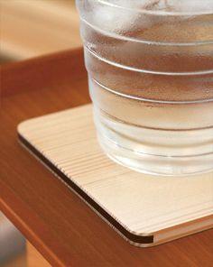 白松を使用した凛とした木製コースター