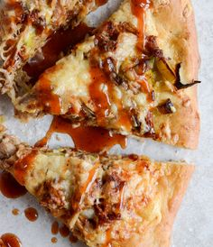 Pulled Pork Pizza with Maple Leeks, Roasted Garlic and Aged Cheddar I howsweeteats.com