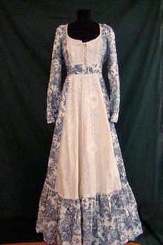 beautiful fabric and lace- <3 gunne sax