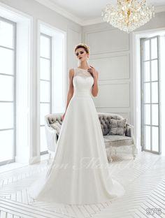 Mary Bride - 976 Kölcsönzési díj: 80.000,- Ft  https://www.europaszalon.hu/product-page/mary-bride-menyasszonyi-ruha-976
