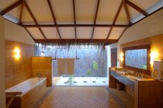 Filitheyo-Beach Villa bathroom.