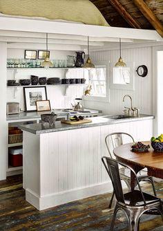 cute coastal cottage kitchen