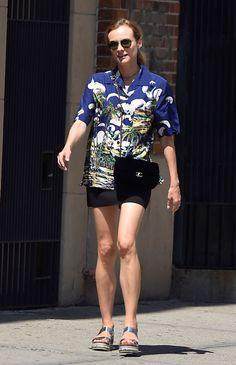 nice Diane Kruger: Schlagen Sie die Hitze in einem Hawaii-Art-Hemd Dieses Wochenende