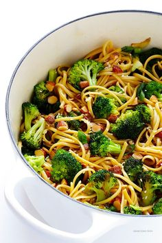 Sesame Noodles with Broccoli and Almonds -- ready to go in 20 minutes, and full of the best fresh flavors!   gimmesomeoven.com