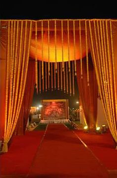 Ivy aura auras ahmedabad and stage decorations ivy aura info review indian wedding photosindian weddingsstage decorationswedding junglespirit Images