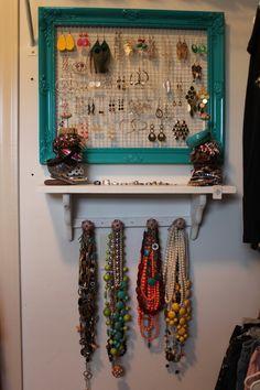 diy jewelry holder frame, closet jewelry organization, frame jewelry organizer, picture frames, pictur frame, paper towel, diy organizing closet, coat rack, closet jewelry organizer