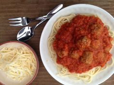 Het recept voor deze makkelijke spaghettisaus heb je in een mum van tijd op tafel staan. Gezond, lekker en goedkoop, wat wil je nog meer!