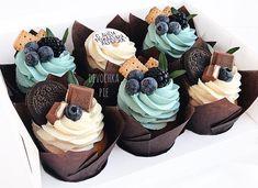 Pin on Cupcakes Cupcake Flavors, Cupcake Recipes, Dessert Recipes, Fancy Cupcakes, Yummy Cupcakes, Lemon Cupcakes, Strawberry Cupcakes, Cupcake Cake Designs, Cupcake Cakes