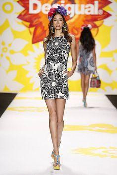 http://www.hola.com/moda/modistos/nueva-york-primavera-verano-2015/desigual/1/desigual001a/