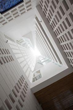 Galería de Hotel Golden Holiday en Nha Trang / Trinhvieta-Architects - 22