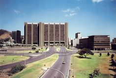 The Civic Centre in 1981 – What a difference! Johannesburg Skyline, Beach Buggy, Cape Town South Africa, Historical Pictures, Woodstock, Old Houses, Centre, City, Places